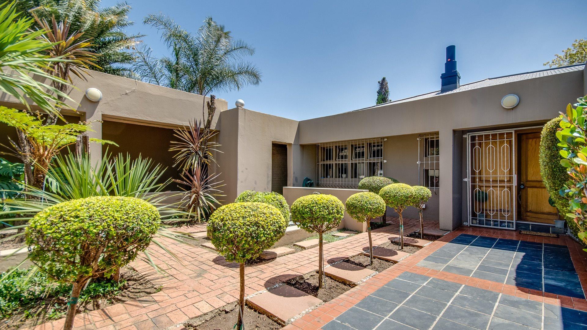Orange Grove property for sale. Ref No: 13545446. Picture no 2