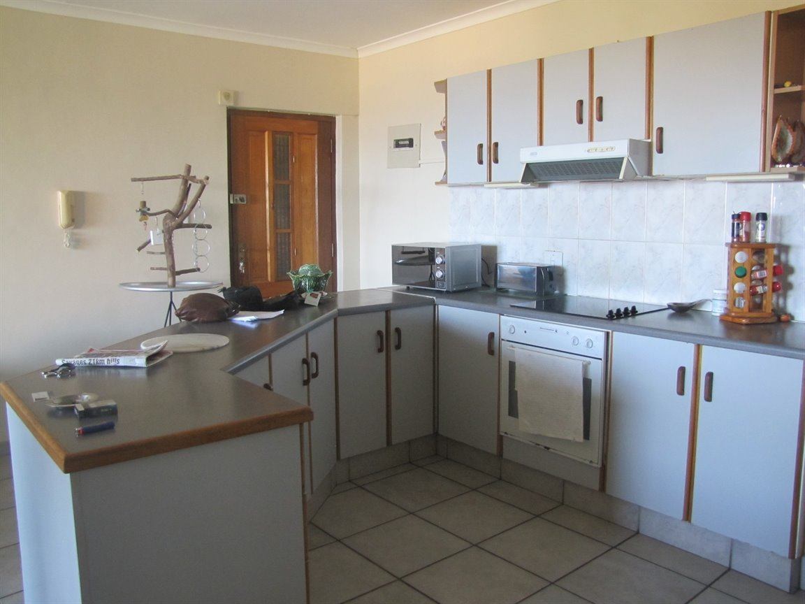 Amanzimtoti property for sale. Ref No: 13377010. Picture no 7