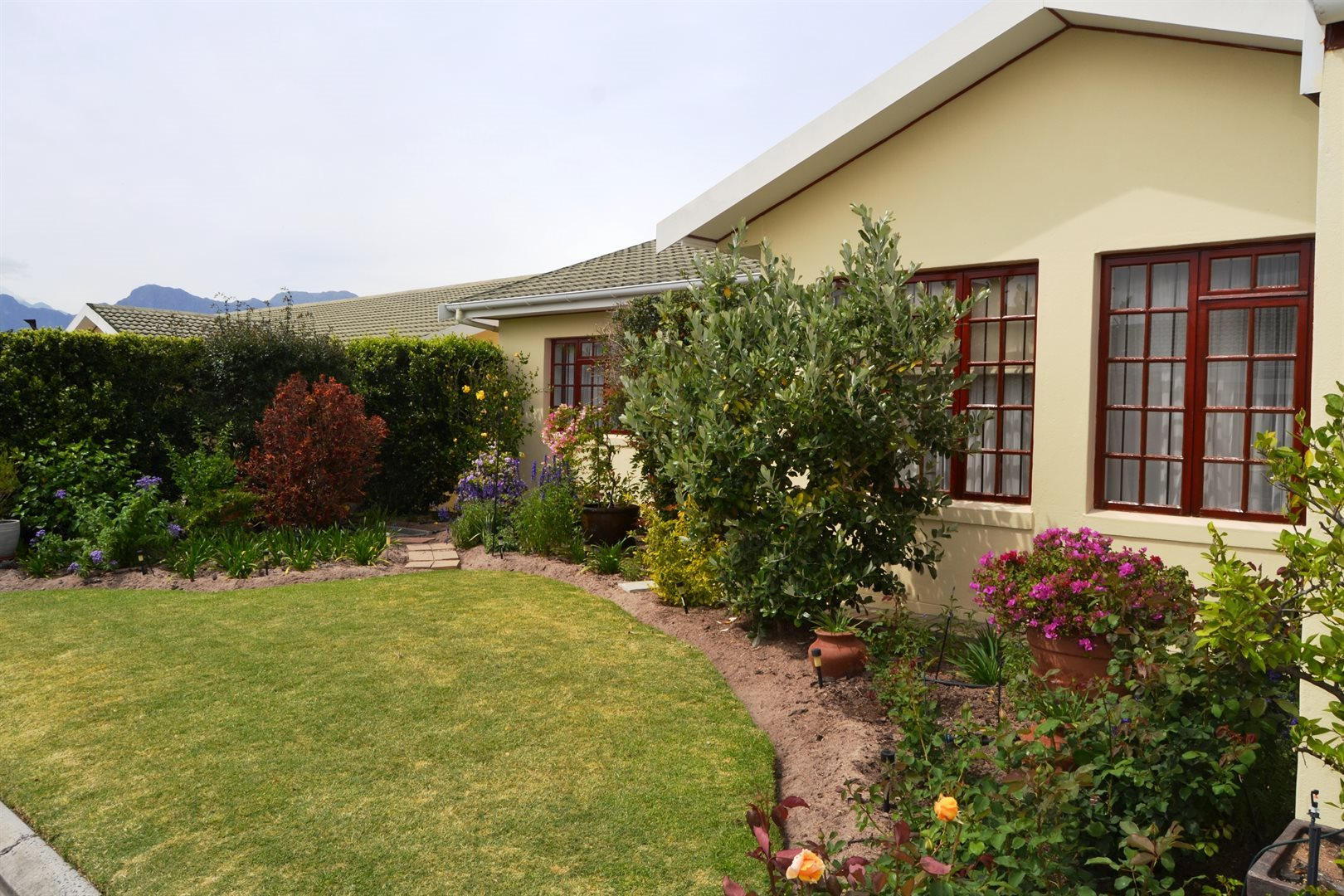 Property and Houses for sale in Paarl North, House, 4 Bedrooms - ZAR 3,100,000