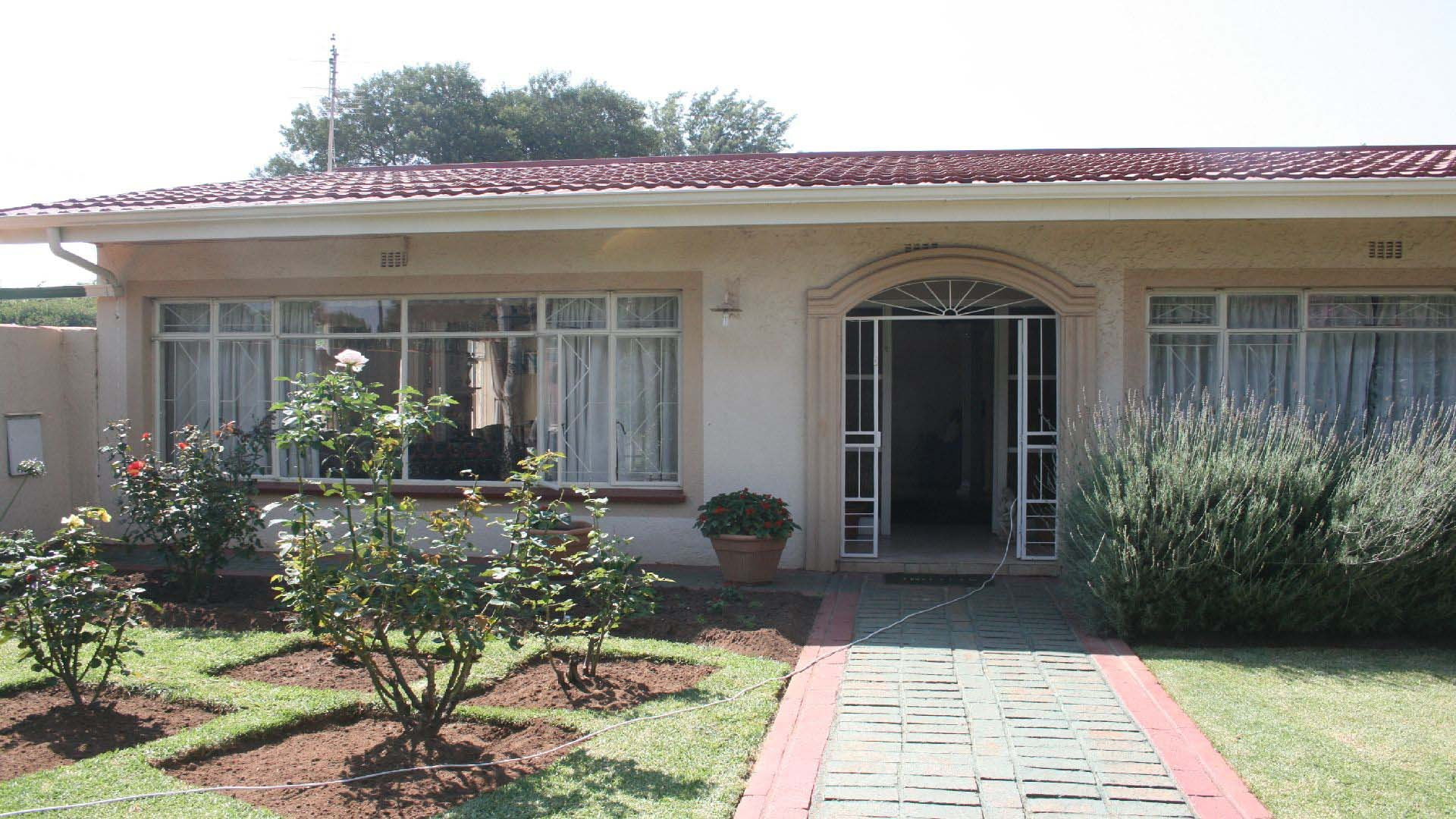 Randfontein, Greenhills Property  | Houses For Sale Greenhills, Greenhills, House 4 bedrooms property for sale Price:1,500,000
