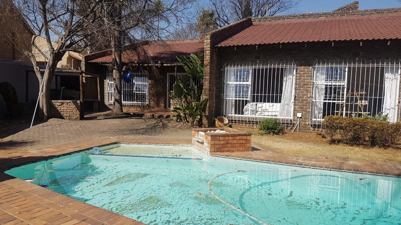 Krugersdorp, Noordheuwel Property  | Houses For Sale Noordheuwel, Noordheuwel, House 4 bedrooms property for sale Price:1,850,000