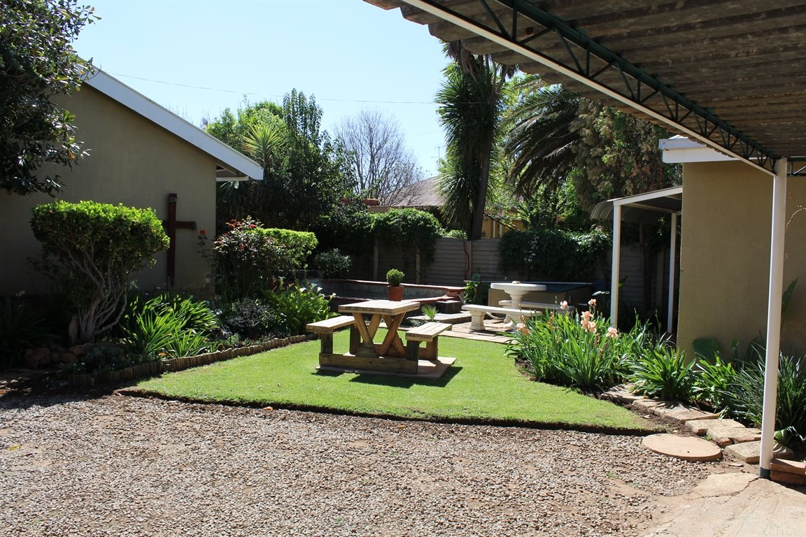 Potchefstroom Central property for sale. Ref No: 13388086. Picture no 1