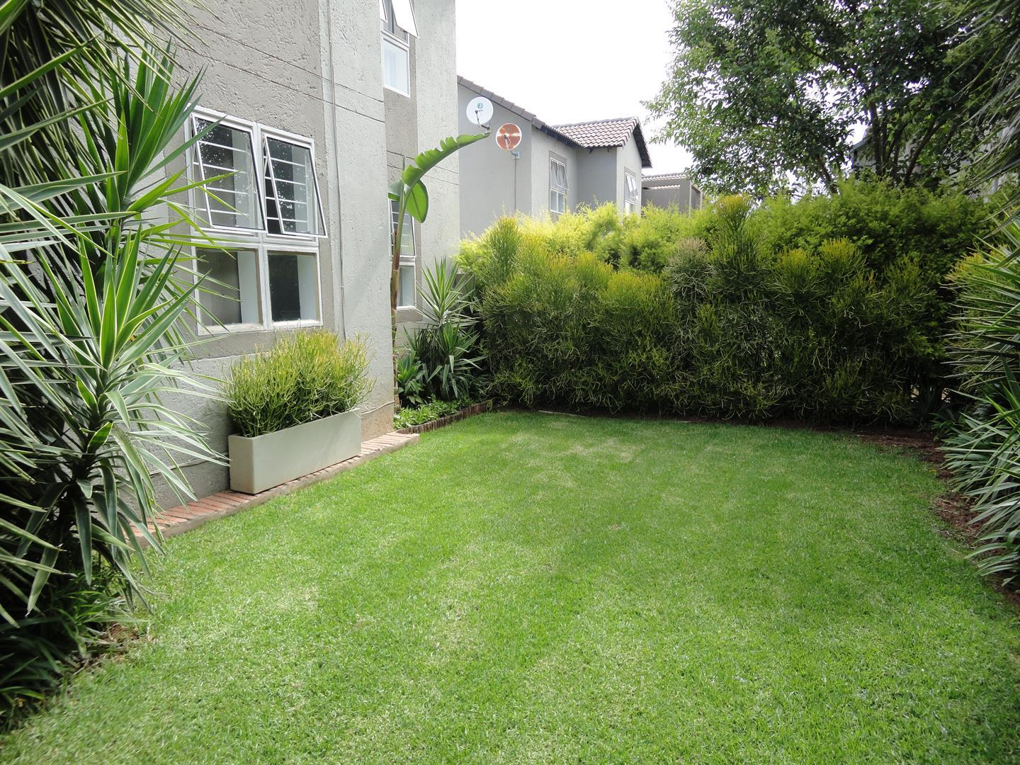 Sandton, Magaliessig Property  | Houses To Rent Magaliessig, Magaliessig, Townhouse 2 bedrooms property to rent Price:,  9,00*