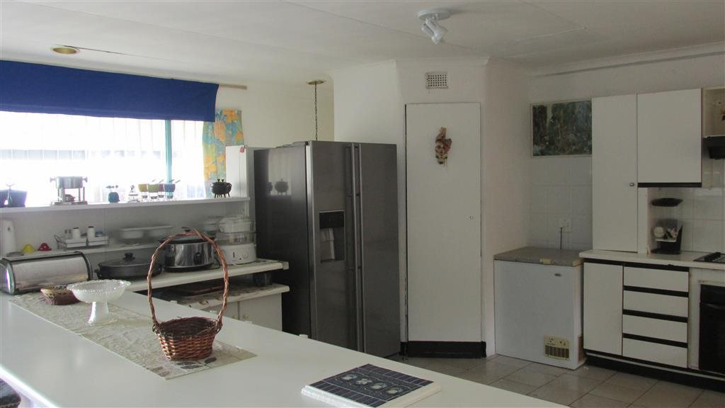 Ramsgate property for sale. Ref No: 12759994. Picture no 10