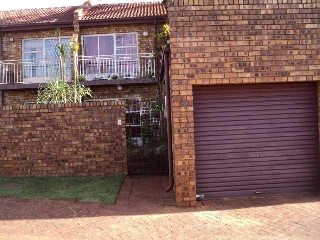 Dorandia property for sale. Ref No: 13567184. Picture no 5
