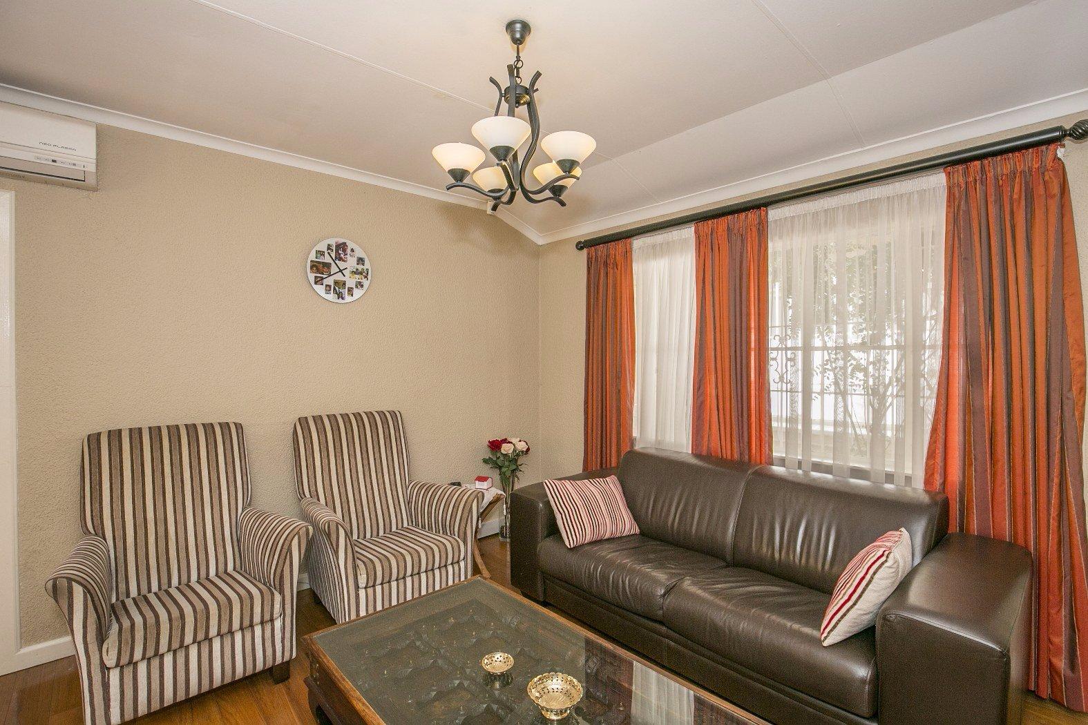House For Sale In Glenvista 4 Bedroom 13500223 1 13