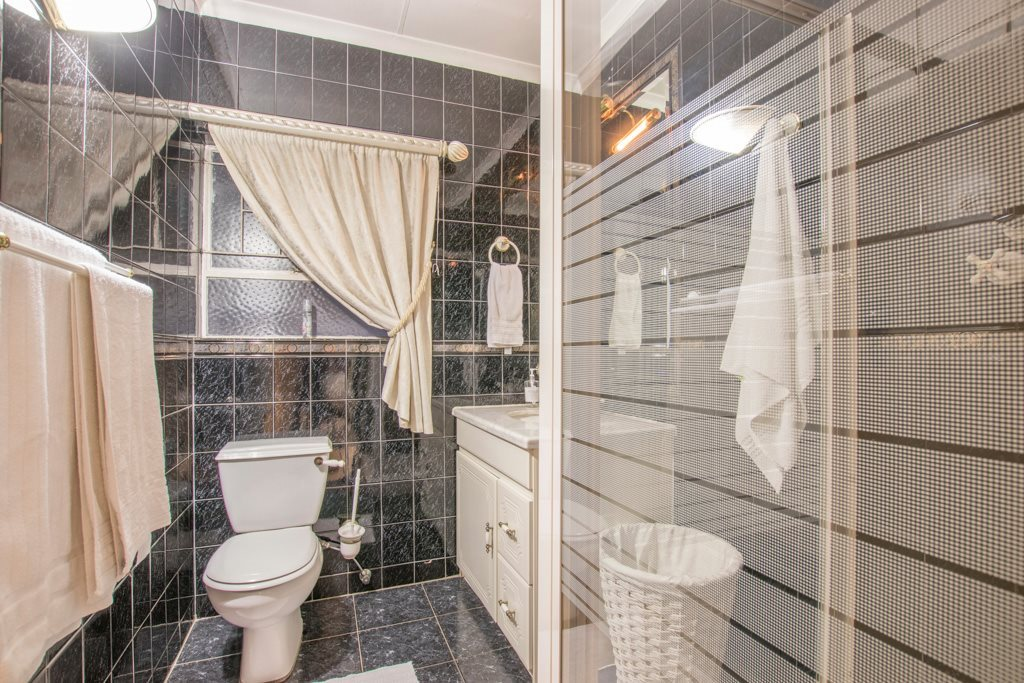 Johannesburg North property for sale. Ref No: 13540309. Picture no 15