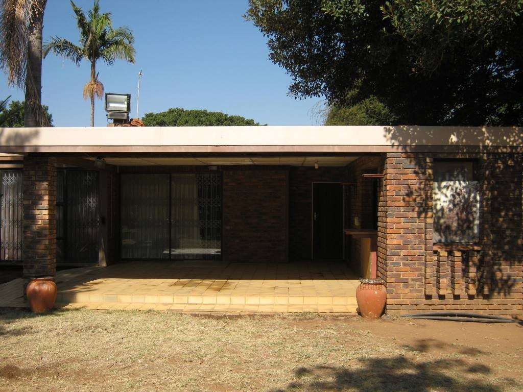 Waterkloof Glen property for sale. Ref No: 13505274. Picture no 10