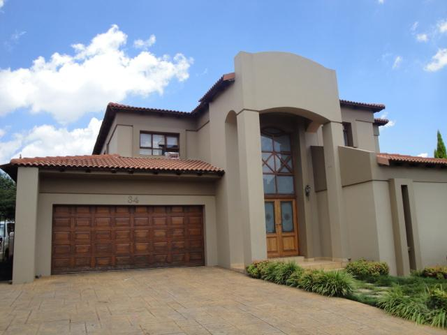 Property and Houses to rent in Centurion Golf Estate, House, 5 Bedrooms - ZAR , 30,00*,M