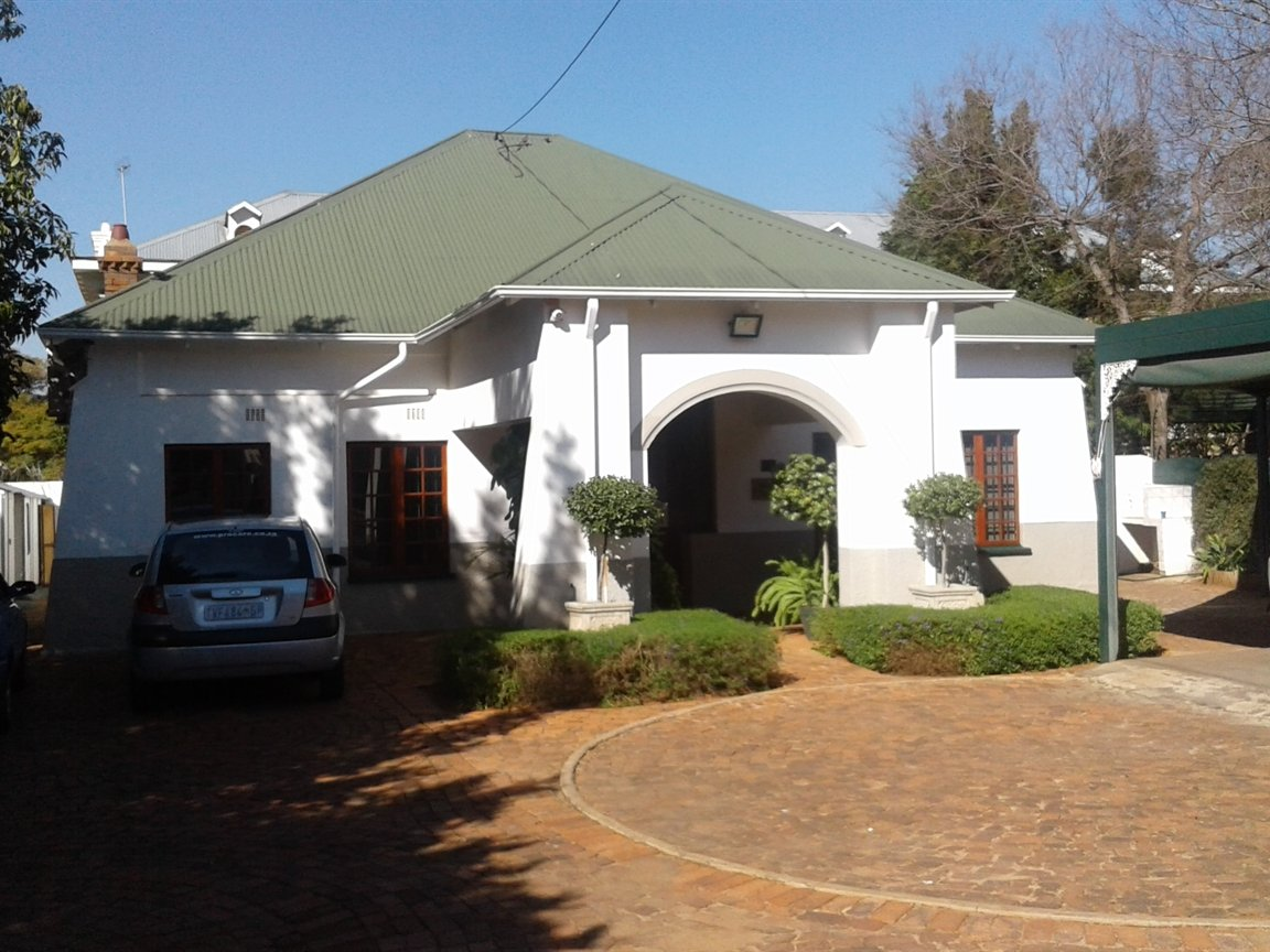 Property and Houses for sale in Hatfield, Commercial - ZAR 3,300,000