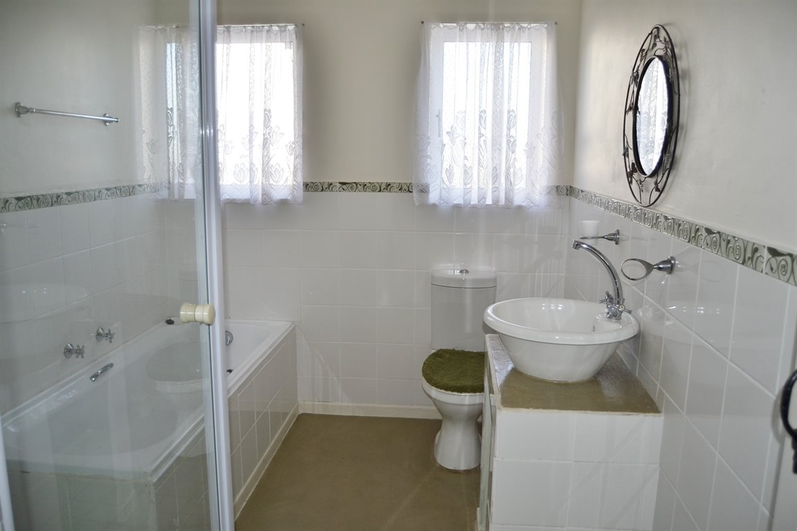 Lampiesbaai property for sale. Ref No: 13390055. Picture no 11
