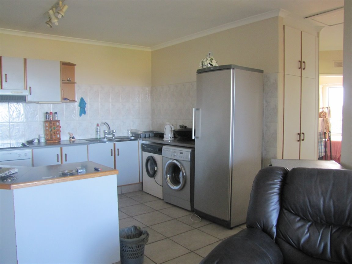 Amanzimtoti property for sale. Ref No: 13377010. Picture no 3