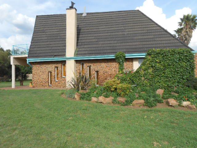 Mooilande property for sale. Ref No: 13421739. Picture no 15