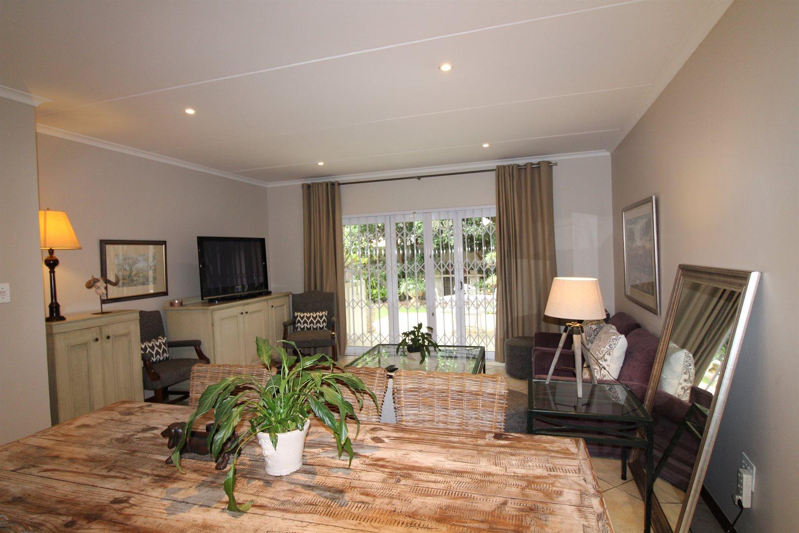 Bryanston property for sale. Ref No: 13551237. Picture no 2