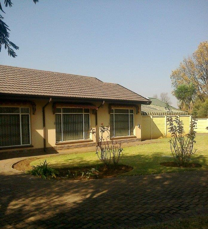 Arcon Park property for sale. Ref No: 13493385. Picture no 3