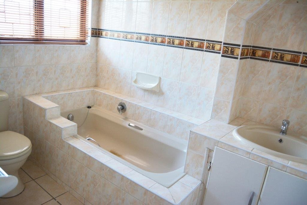 Port Shepstone property for sale. Ref No: 12778895. Picture no 13