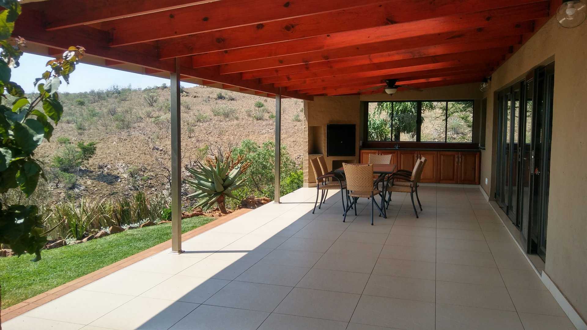 Property and Houses for sale in Lanseria, House, 6 Bedrooms - ZAR 6,985,000