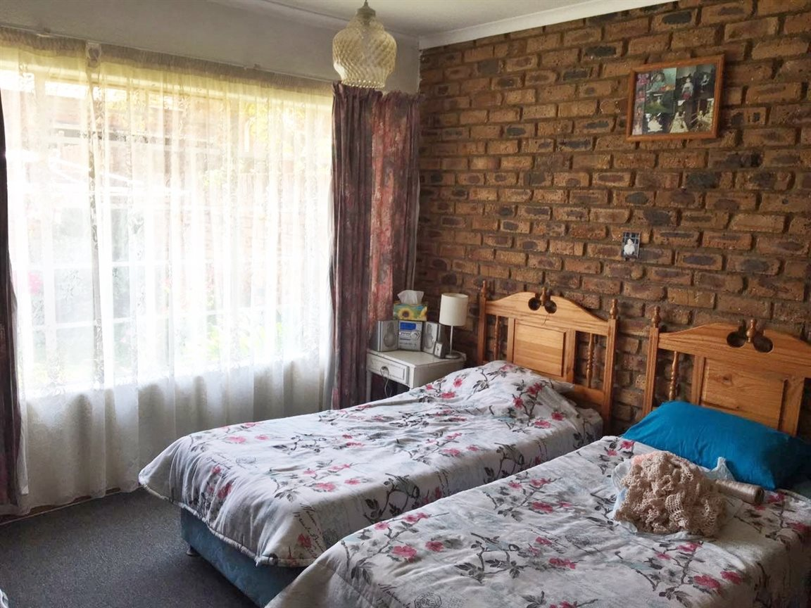 Krugersdorp North property for sale. Ref No: 13402342. Picture no 11