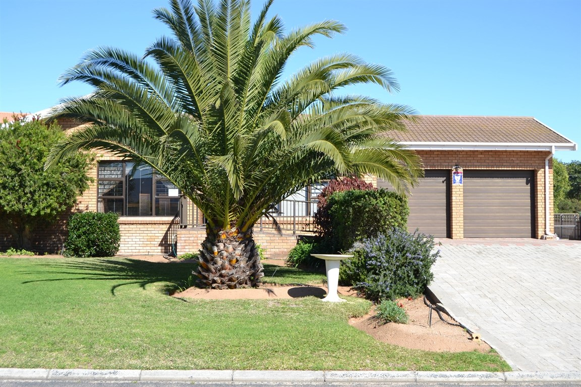 Lamberts Bay property for sale. Ref No: 13373968. Picture no 21