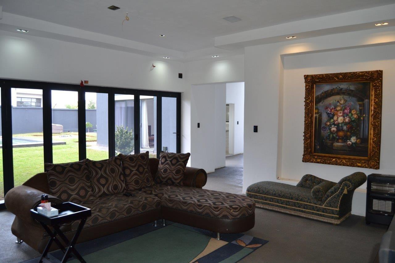 Midstream Hill Estate property for sale. Ref No: 13584239. Picture no 32