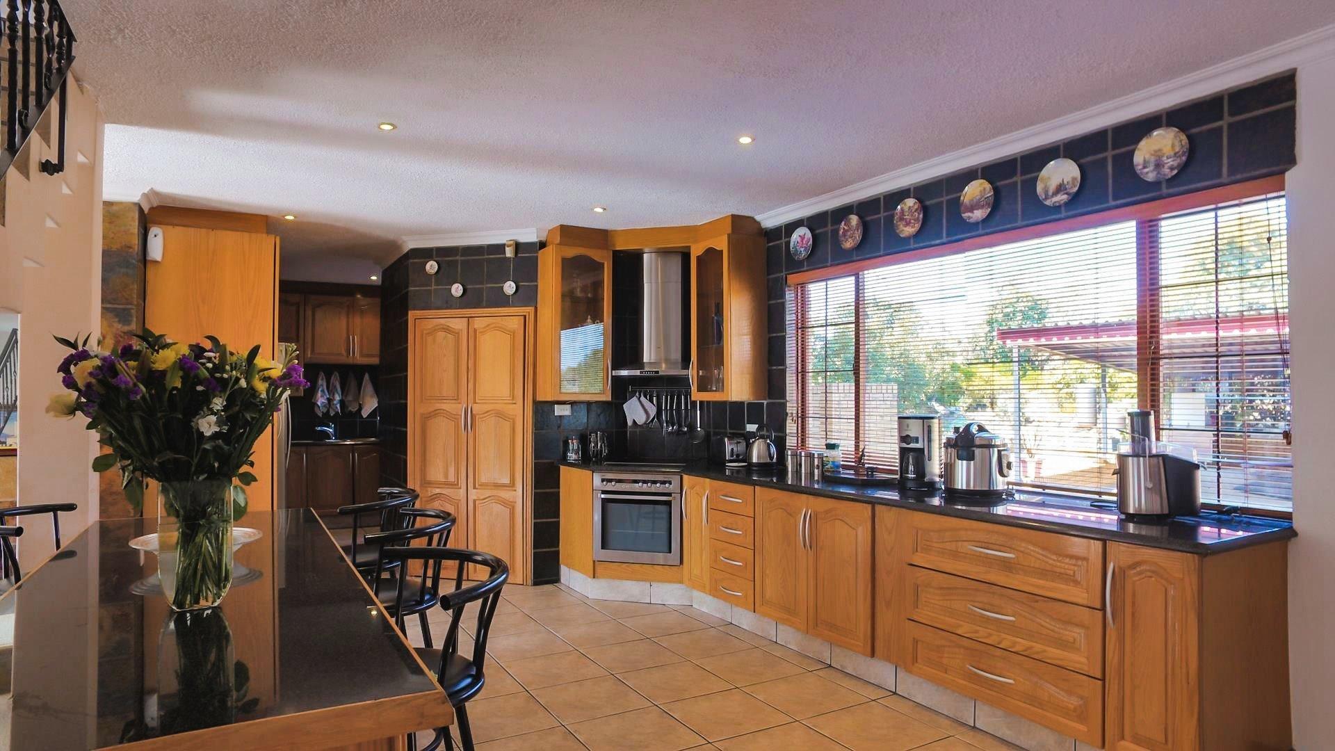 Irene Glen Estate property for sale. Ref No: 13471902. Picture no 21
