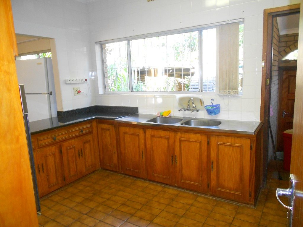 Ramsgate property for sale. Ref No: 12756449. Picture no 11
