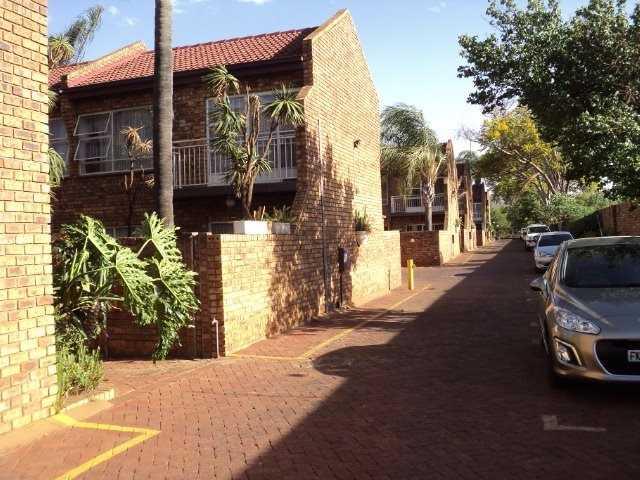 Dorandia property for sale. Ref No: 13567184. Picture no 3
