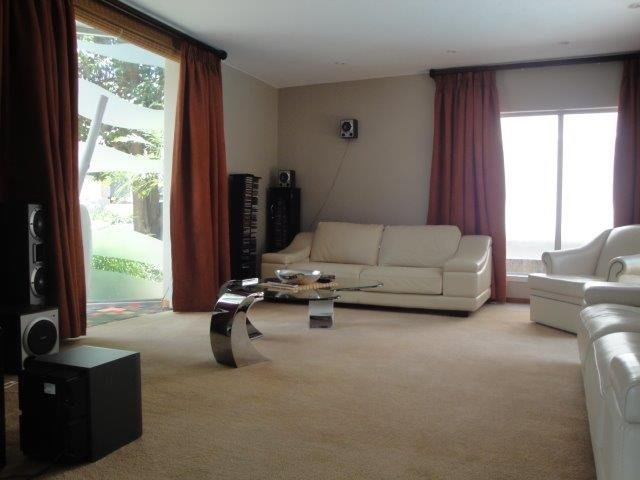 Centurion Golf Estate property for sale. Ref No: 13517020. Picture no 4