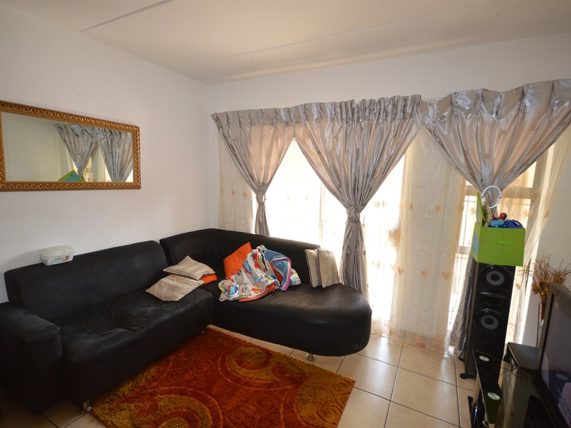 Vanderbijlpark Se9 property for sale. Ref No: 12799356. Picture no 11