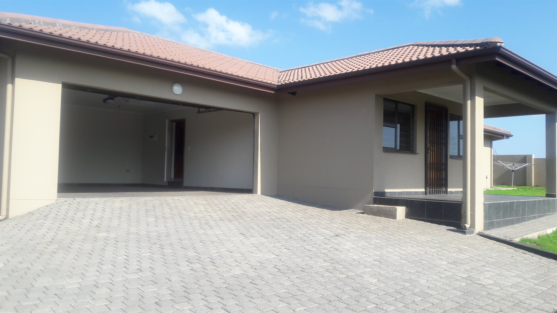 Inyala Park property for sale. Ref No: 13538726. Picture no 15