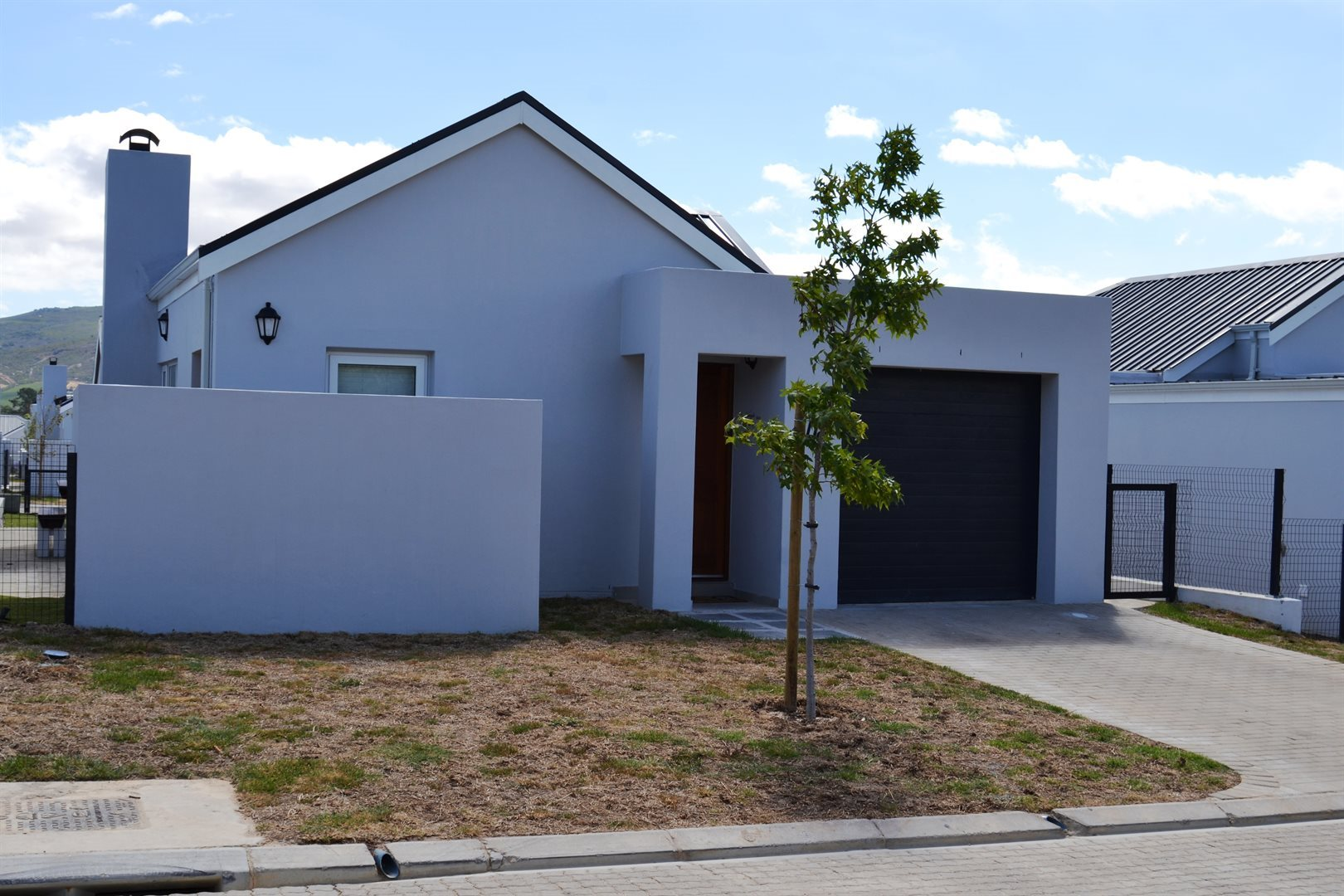 Property and Houses for sale in Paarl South, House, 3 Bedrooms - ZAR 1,790,000