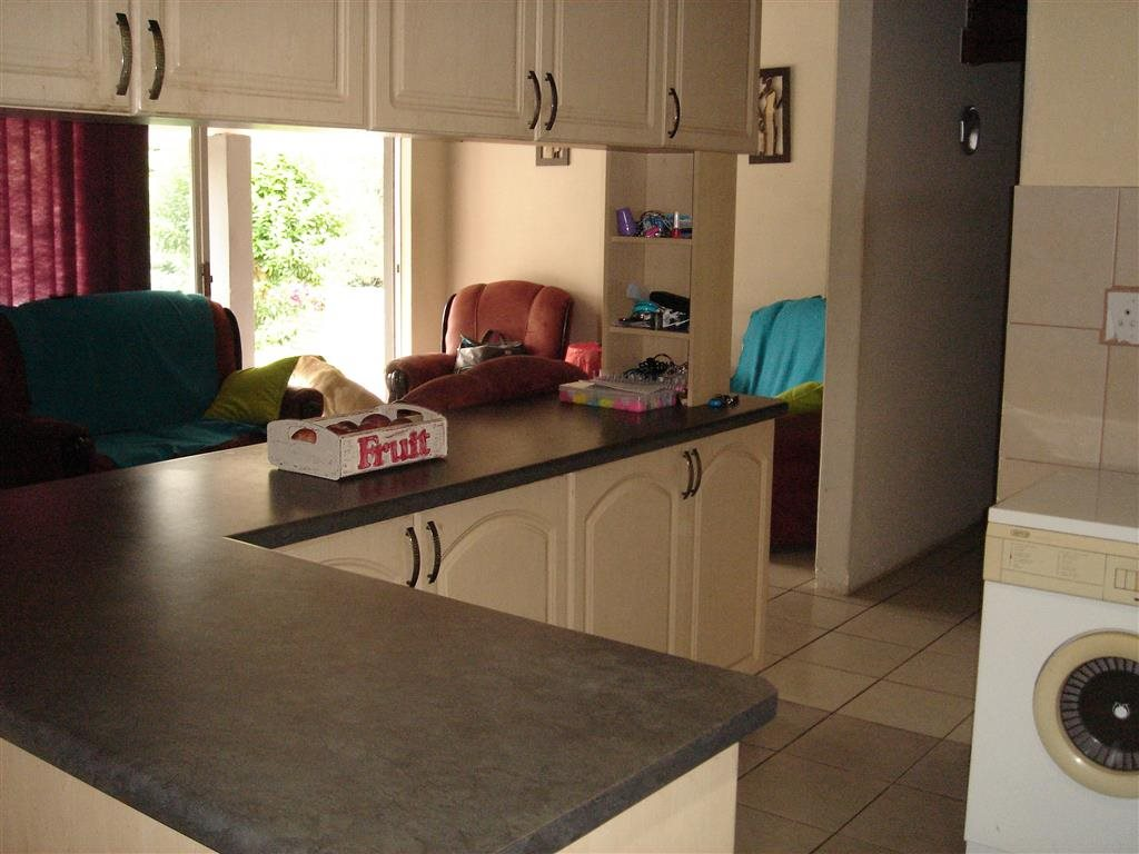 Uvongo property for sale. Ref No: 12774176. Picture no 6