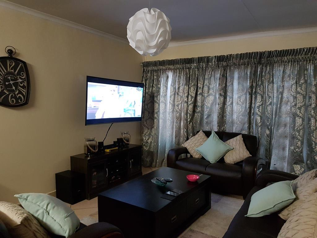 Akasia property for sale. Ref No: 13553015. Picture no 5