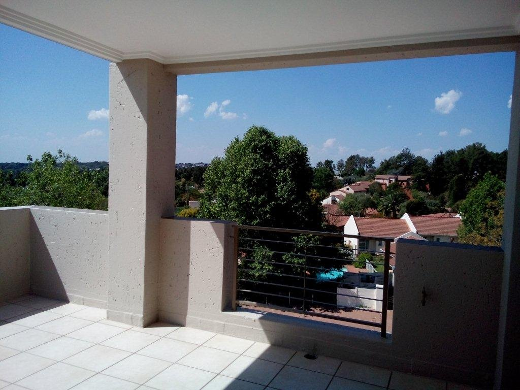 Bryanston property to rent. Ref No: 13560769. Picture no 16