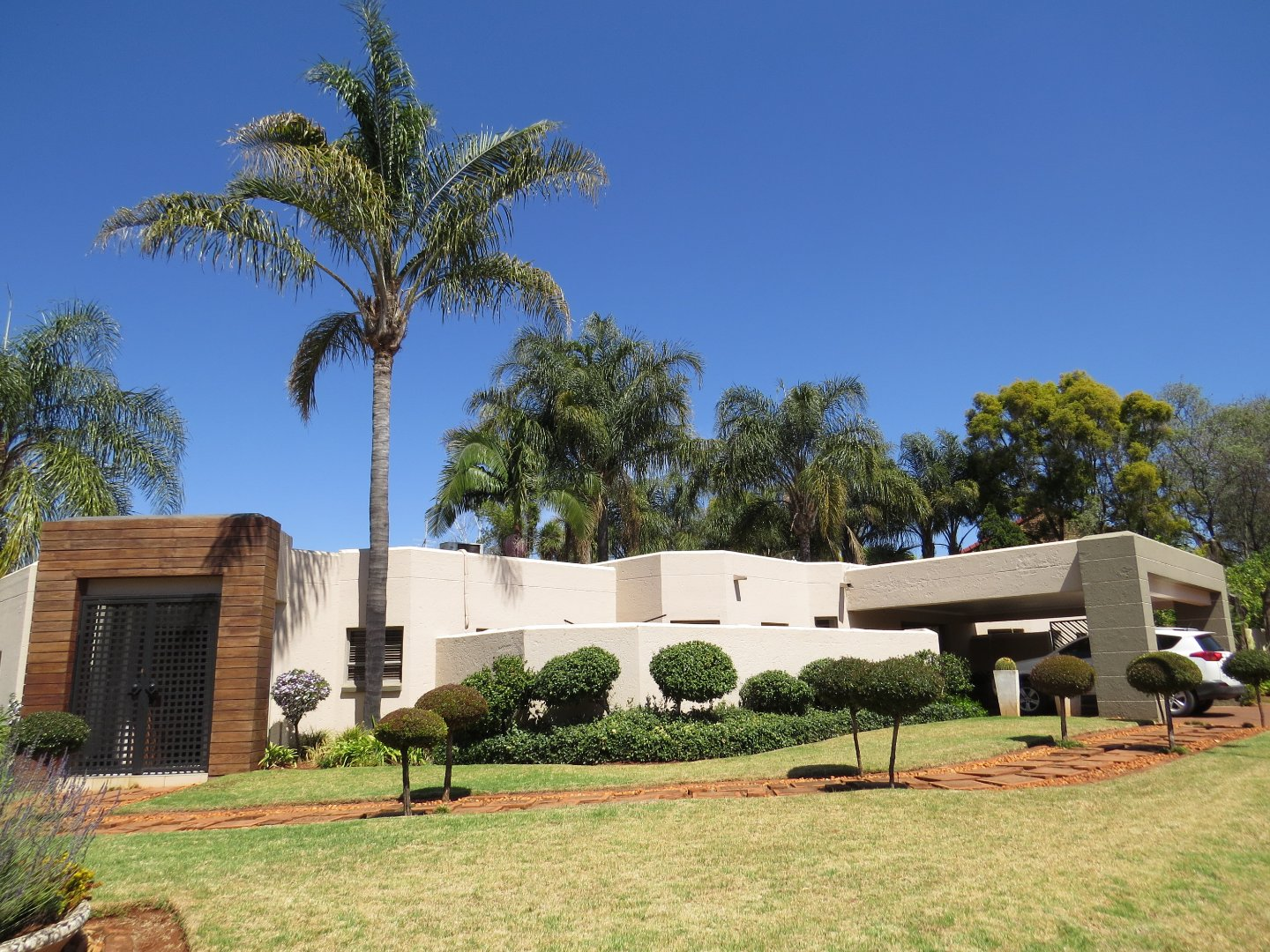 Property and Houses for sale in Eldoraigne, House, 4 Bedrooms - ZAR 3,350,000
