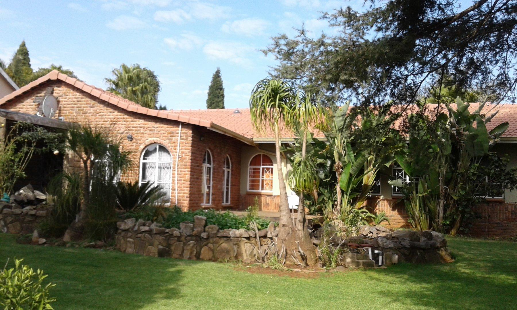 Krugersdorp, Rant En Dal Property  | Houses For Sale Rant En Dal, Rant En Dal, House 4 bedrooms property for sale Price:1,800,000