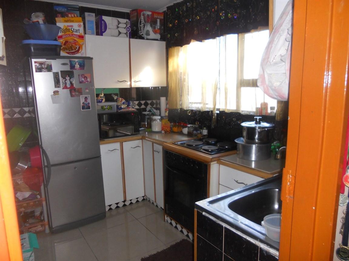 Brackenham property for sale. Ref No: 12738662. Picture no 2