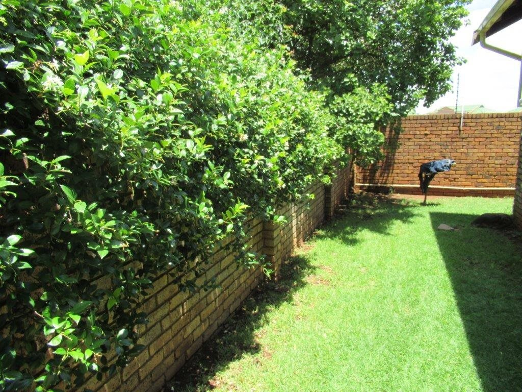 Highveld property for sale. Ref No: 13566297. Picture no 12