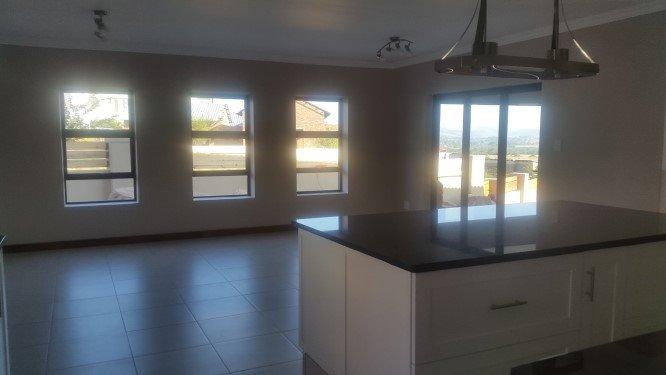 Copperleaf Estate property for sale. Ref No: 13327944. Picture no 10