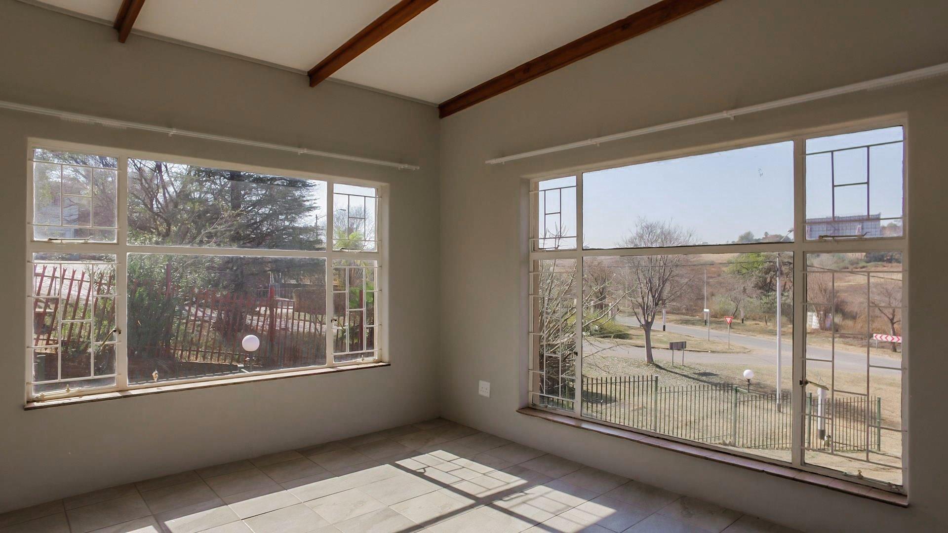 Erasmia property for sale. Ref No: 13379466. Picture no 23