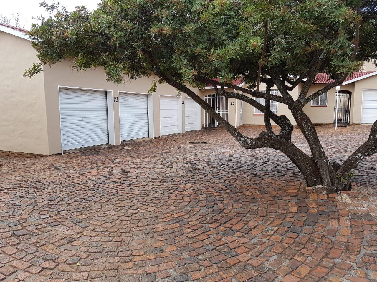 Eldoraigne property for sale. Ref No: 13623334. Picture no 20
