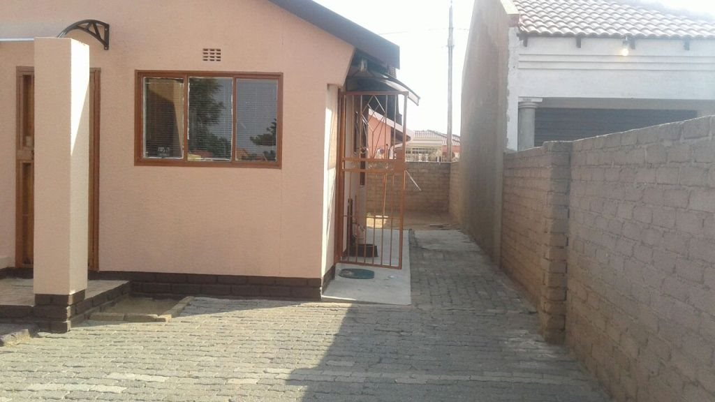 Mabopane, Mabopane Property  | Houses For Sale Mabopane, Mabopane, House 2 bedrooms property for sale Price:450,000