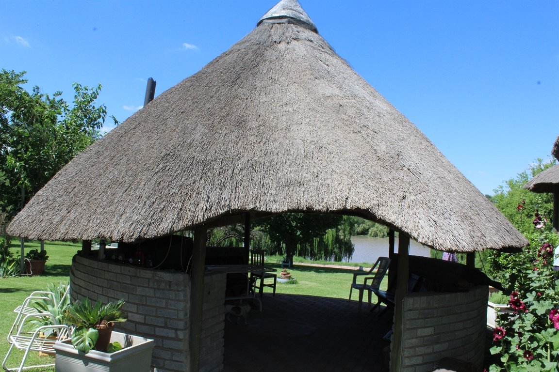 Potchefstroom property for sale. Ref No: 13414707. Picture no 7