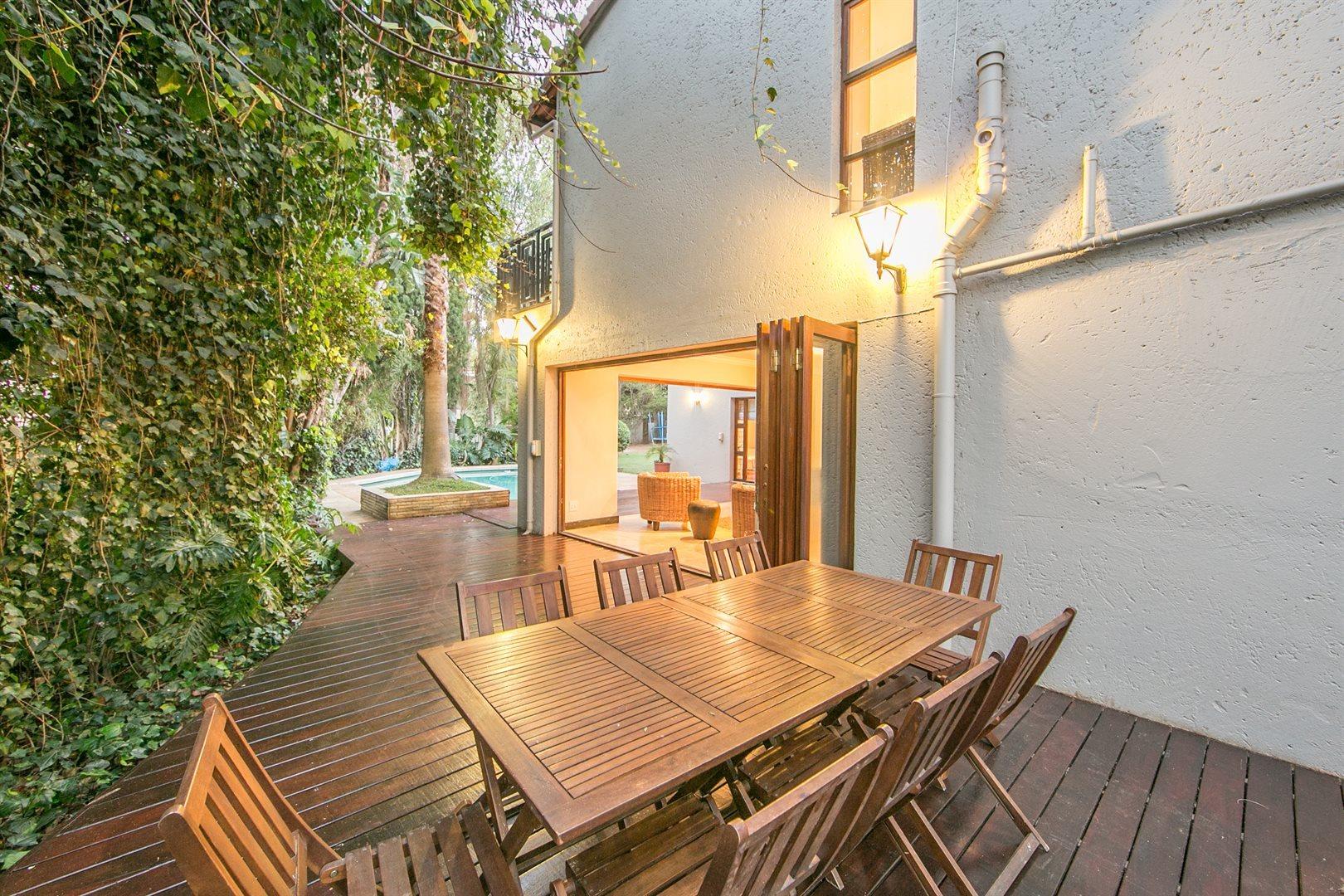 Douglasdale property for sale. Ref No: 13533118. Picture no 20