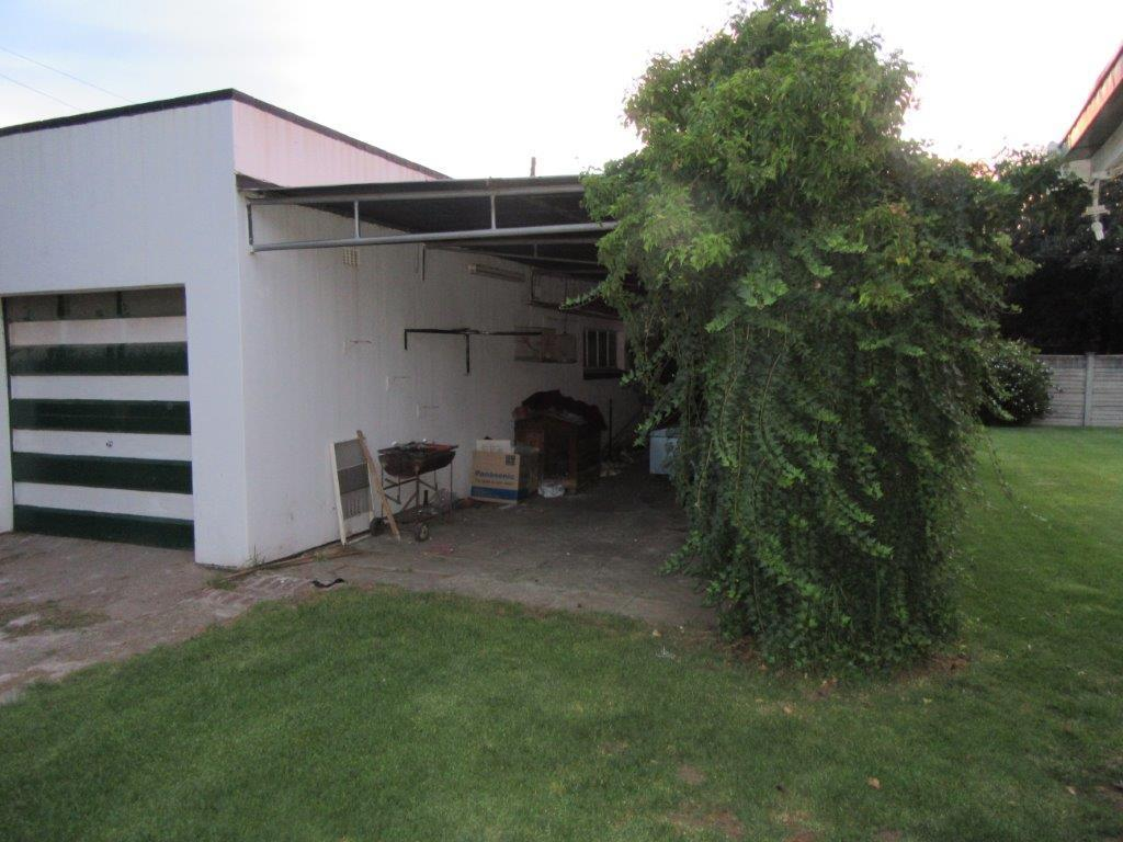 Three Rivers property for sale. Ref No: 13460207. Picture no 16