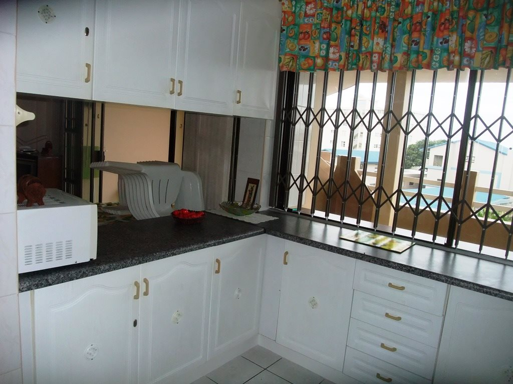 Margate property for sale. Ref No: 12775009. Picture no 11