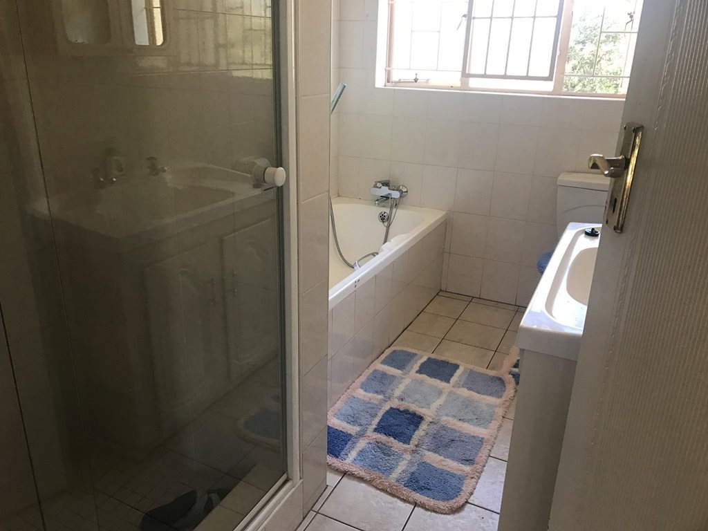 Faerie Glen property for sale. Ref No: 13521946. Picture no 8