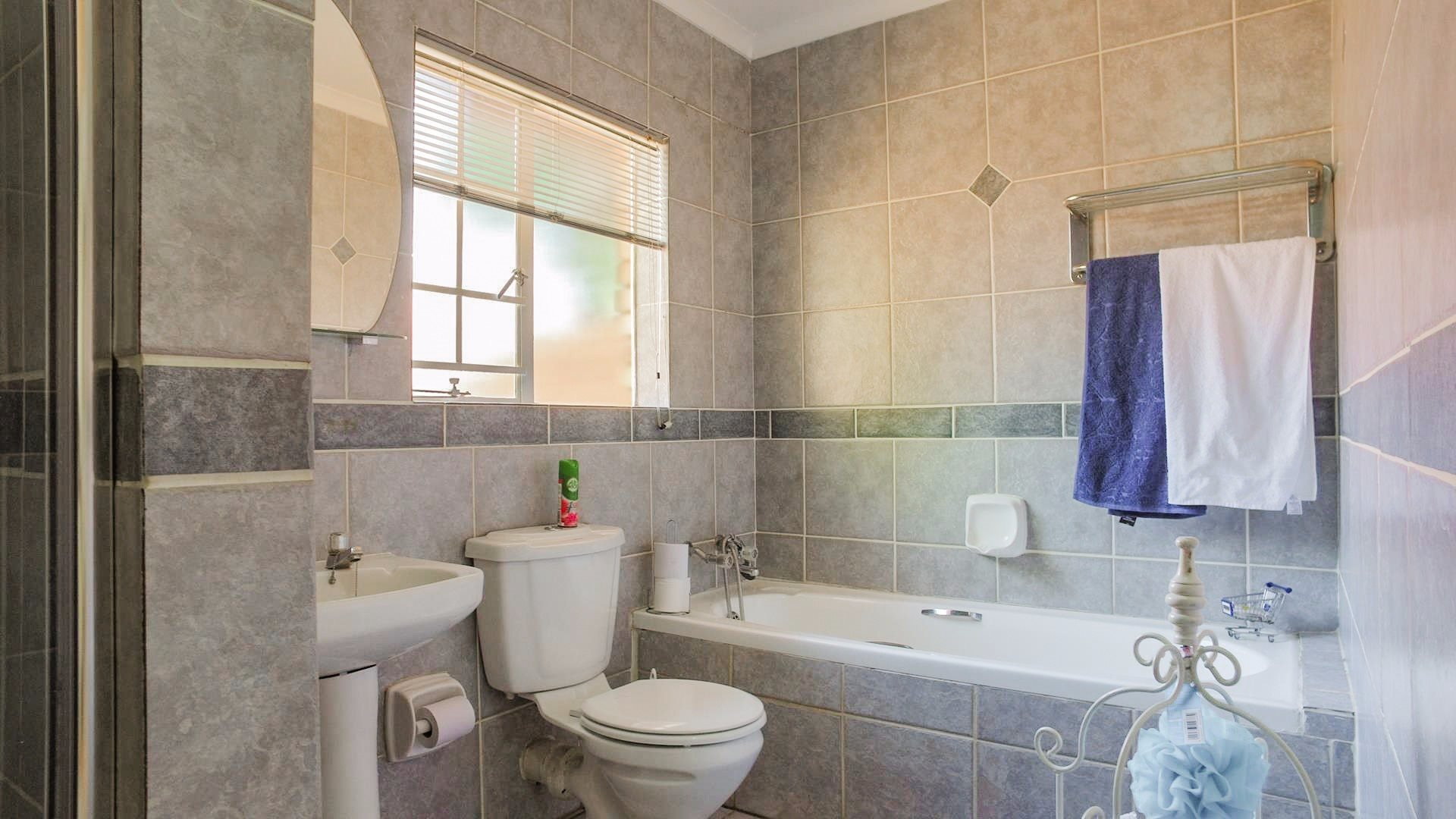 Highveld property for sale. Ref No: 13542050. Picture no 13