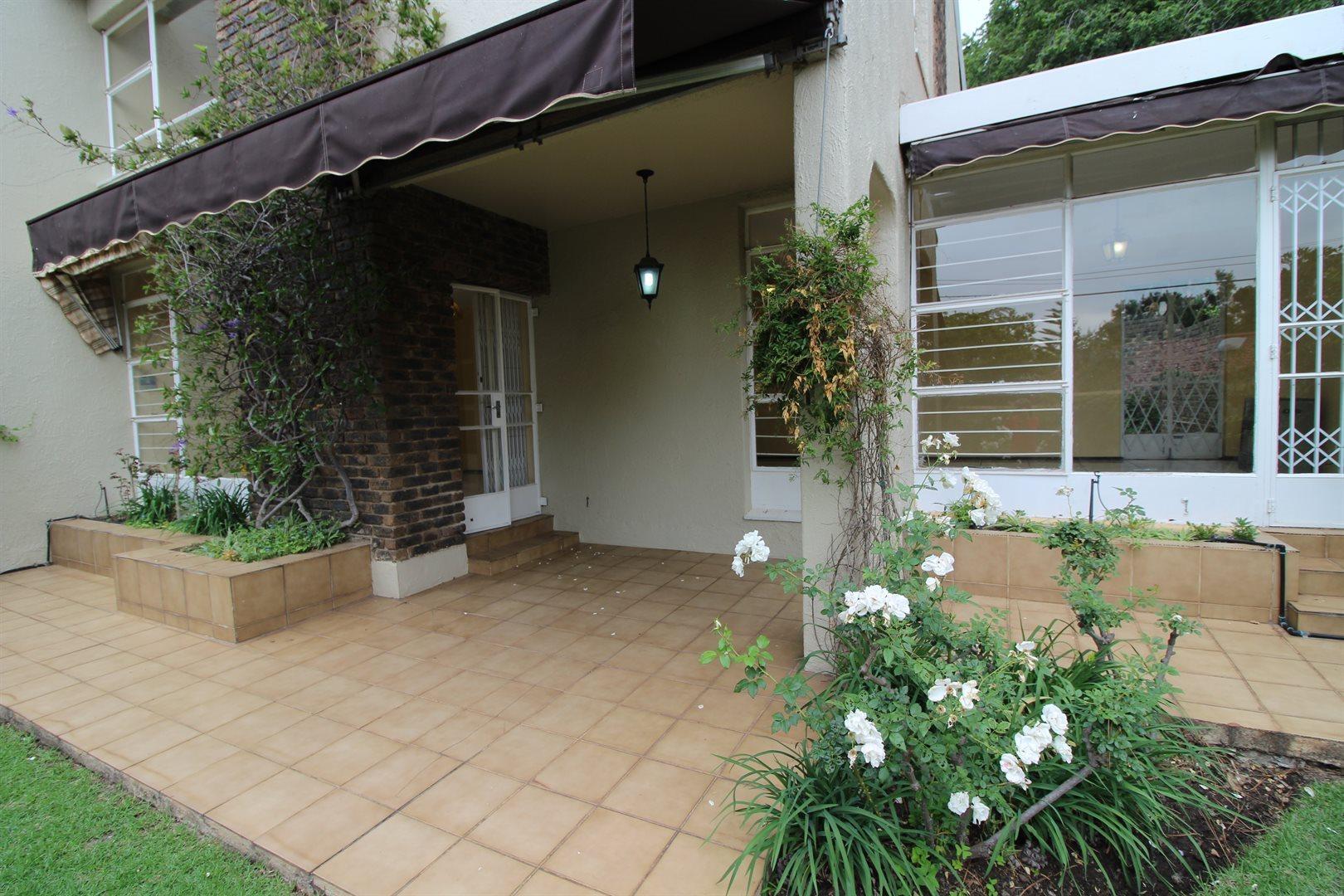 Bryanston property for sale. Ref No: 13552406. Picture no 5