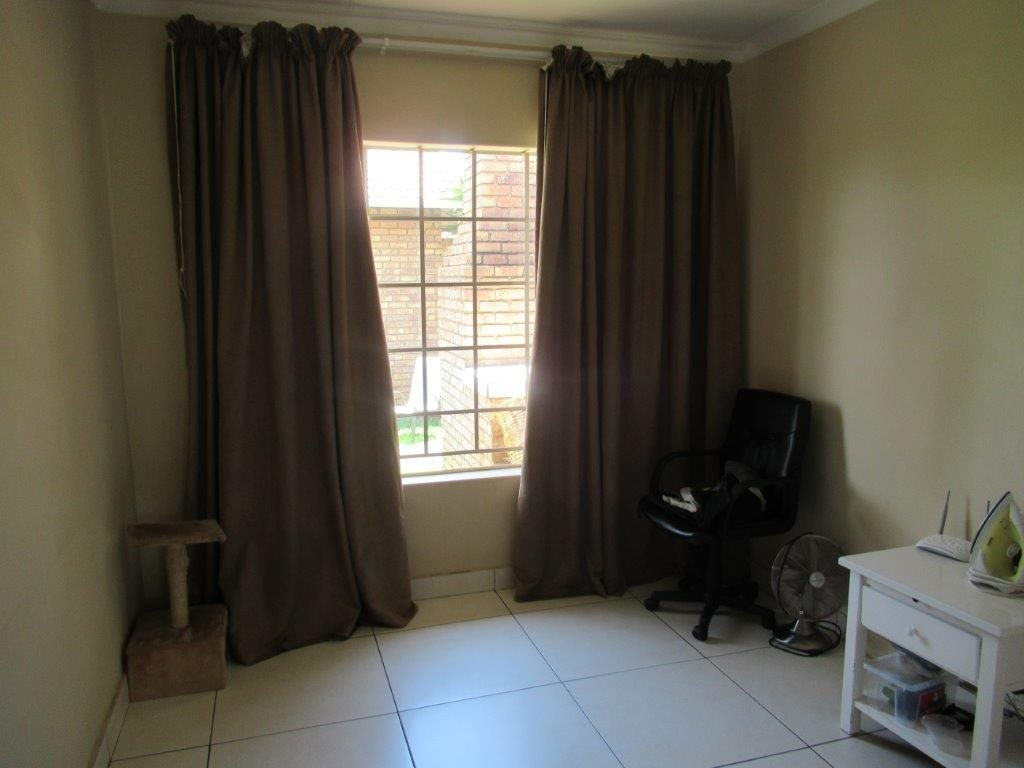 Highveld property for sale. Ref No: 13566297. Picture no 5